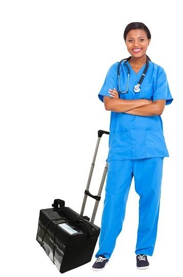 Nurse_with_vaccine_bag_smpx